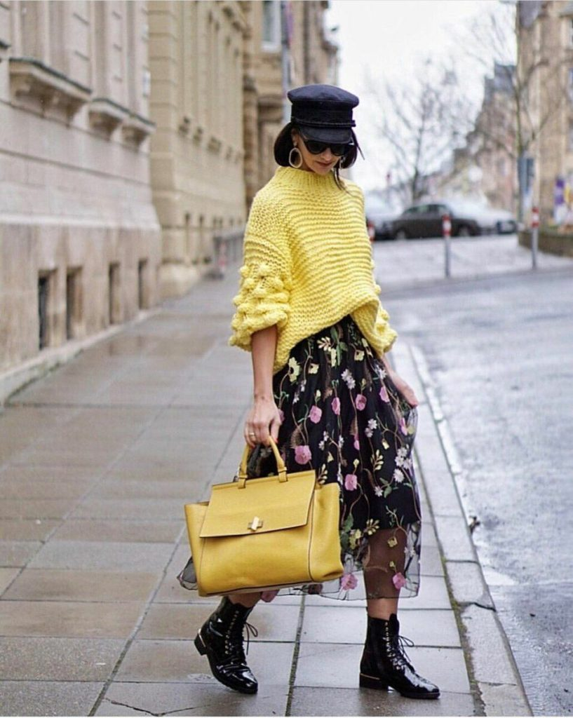 printed-skirt-with-oversized-sweater